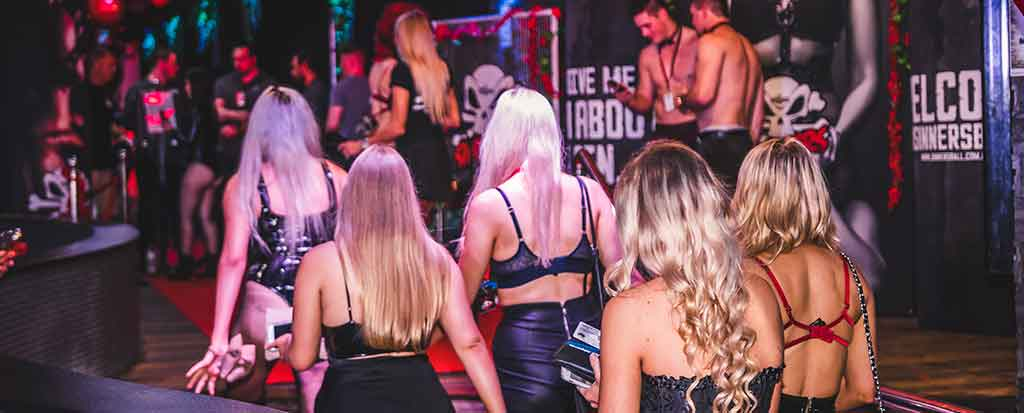 Things to do in Cairns - Sinners Ball