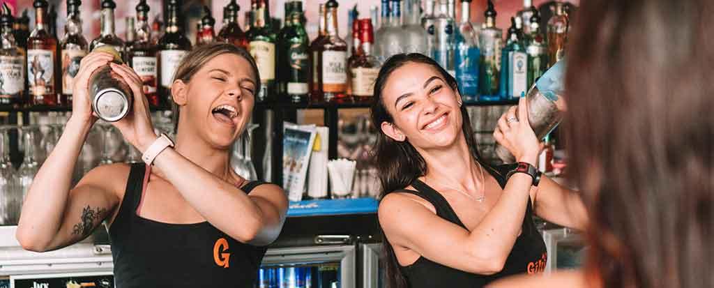 gilligans-bar-image