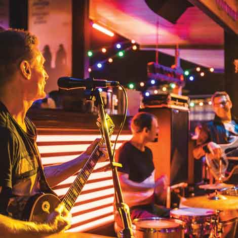 Live Music at Gilligan's Cairns